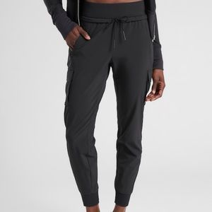 Athleta Black Sutton Jogger (NWT) Size -0